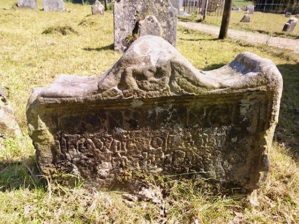 Memento Mori headstone